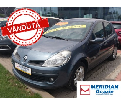 Renault Clio 3 albastru 2008 1.6 benzina exterior fata
