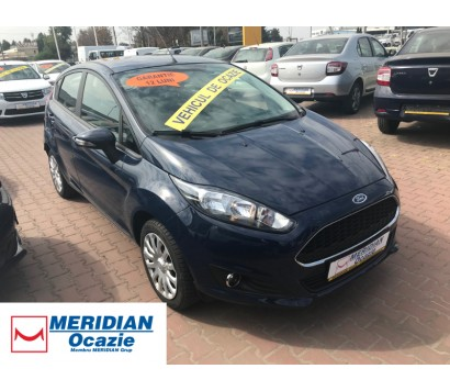 Ford Fiesta albastru 2016 1.0 benzina exterior fata