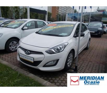 Hyundai I30 alb 1.4 diesel exterior fata